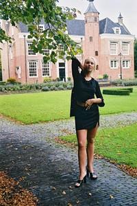 Blonde-girl-posing-Outdoor-x-43-e7ahkn7dbt.jpg